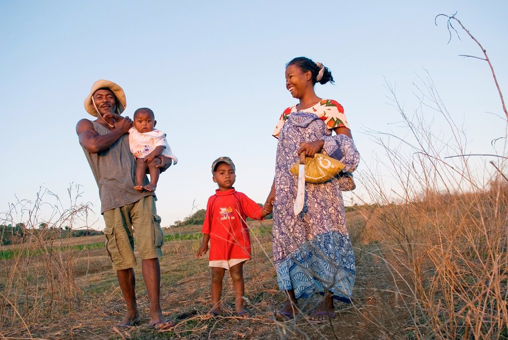 family in the bush, around Ambondrona, west coast, Nosy Be island, Republic of Madagascar, Indian Ocean : Stock Photo