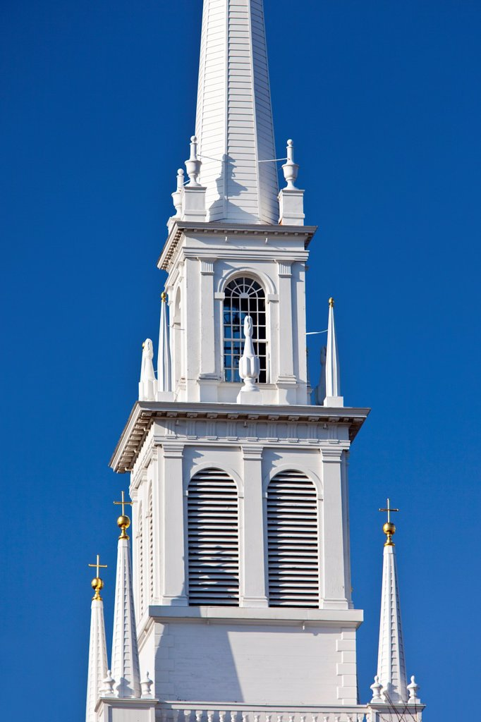 Stock Photo: 1566-884588 Two lanterns burned from this Old North Church window in 1775 signaling the British advance on Lexington and Concord - Boston USA