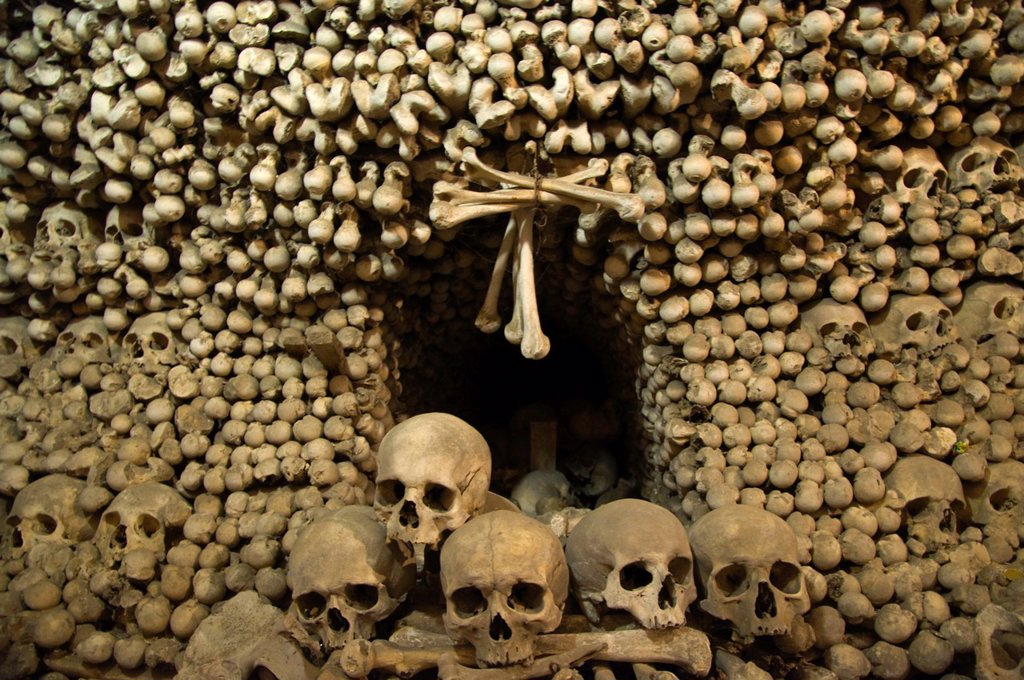 Stock Photo: 1566-886576 Kostnice Sedlec the Sedlec Ossuary in kaple Vsech svatych church Kutna Hora city Czech Republic Europe