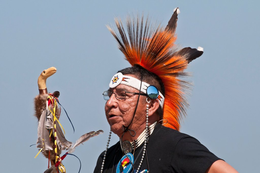 Stock Photo: 1566-889840 Adult male dancer, Pow-wow, Blackfoot Crossing Historical Park, Alberta, Canada