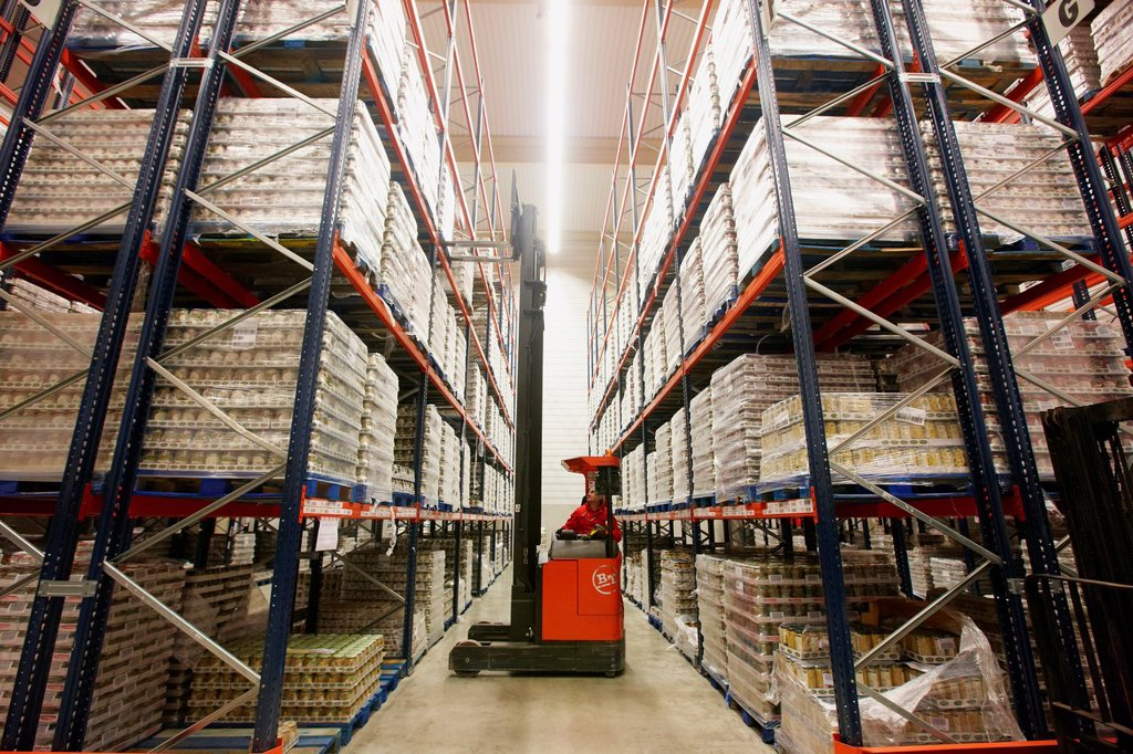 Forklifts, Pallet warehouse, Packaging canned vegetables, Canning Industry, Agri-food, Logistics Center, Grupo Riberebro, Alfaro, La Rioja, Spain : Stock Photo