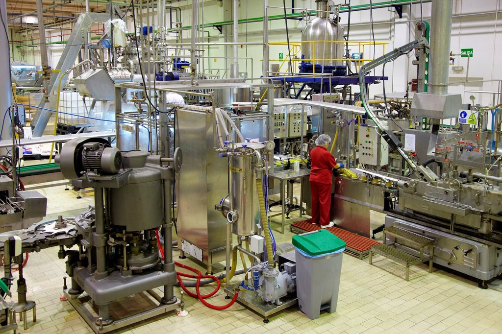 Stock Photo: 1566-890373 Production line of canned vegetables and beans in glass bottle, Corn, Maize, Canning Industry, Agri-food, Logistics Center, Gutarra, Grupo Riberebro, Villafranca, Navarra, Spain