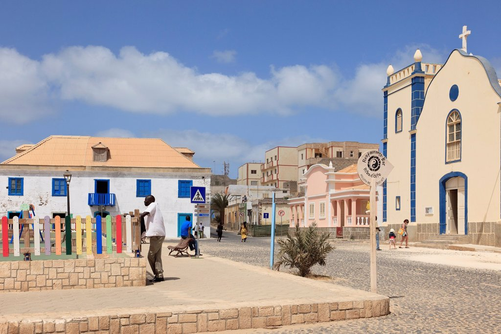 Stock Photo: 1566-891816 Largo Santa Isobel, Sal Rei, Boa Vista, Cape Verde Islands, Africa  Scene in the main square with cobbled street and catholic Church of St Isobel