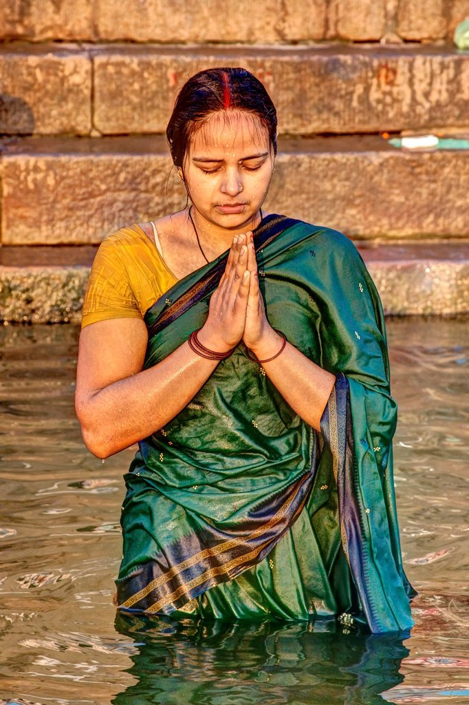Stock Photo: 1566-891840 Female Hindu Pilgrim, Varanasi, Uttar Pradesh, India