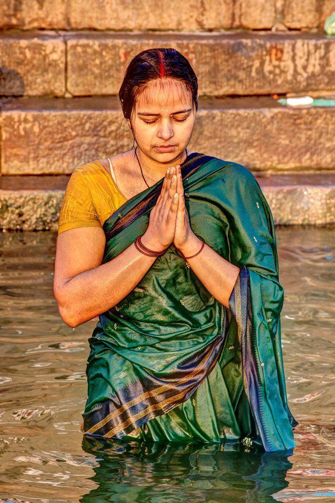 Female Hindu Pilgrim, Varanasi, Uttar Pradesh, India : Stock Photo