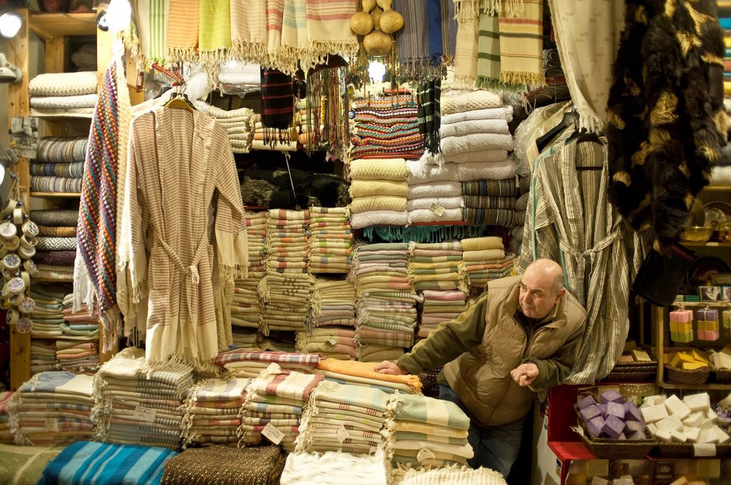 Stock Photo: 1566-892155 Man at Grand Bazar store in Istanbul, Turkey