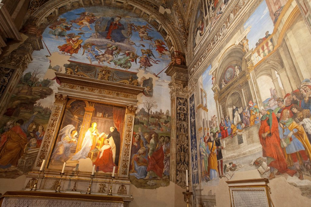 The Carafa Chapel painted by Filippino Lippi in the Basilica of Saint Mary Above Minerva, Rome, Lazio, Italy, Europe : Stock Photo