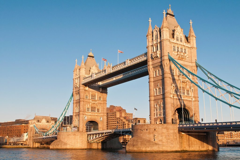 Stock Photo: 1566-894881 Tower Bridge at sunset, London, United Kingdom