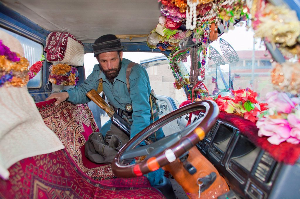 Stock Photo: 1566-895832 car-searching by Afghan Police in Kunduz