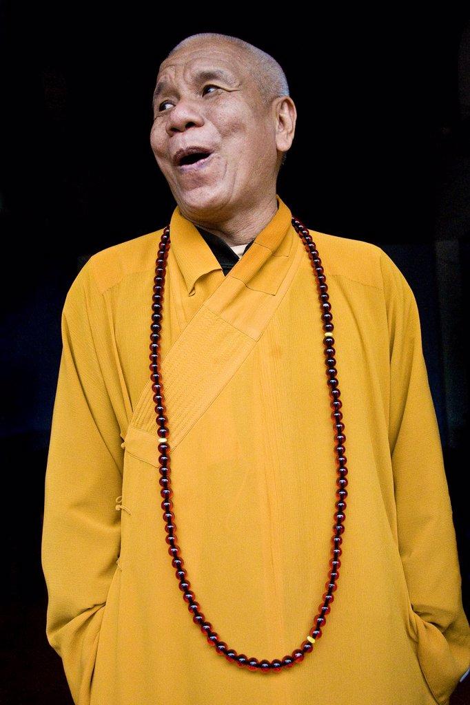 Stock Photo: 1566-895861 Monk, Thien Mu pagoda, Surrounding of Hué, Vietnam