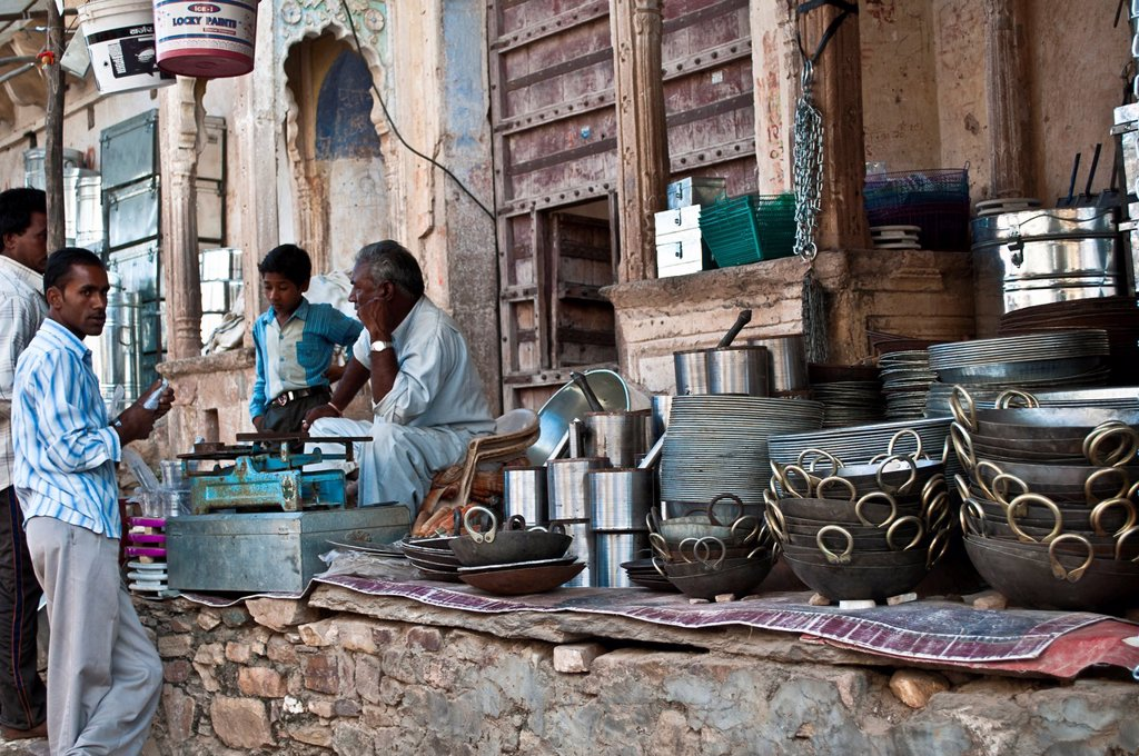 Pots and pans shop, Pushkar, Rajasthan, India : Stock Photo