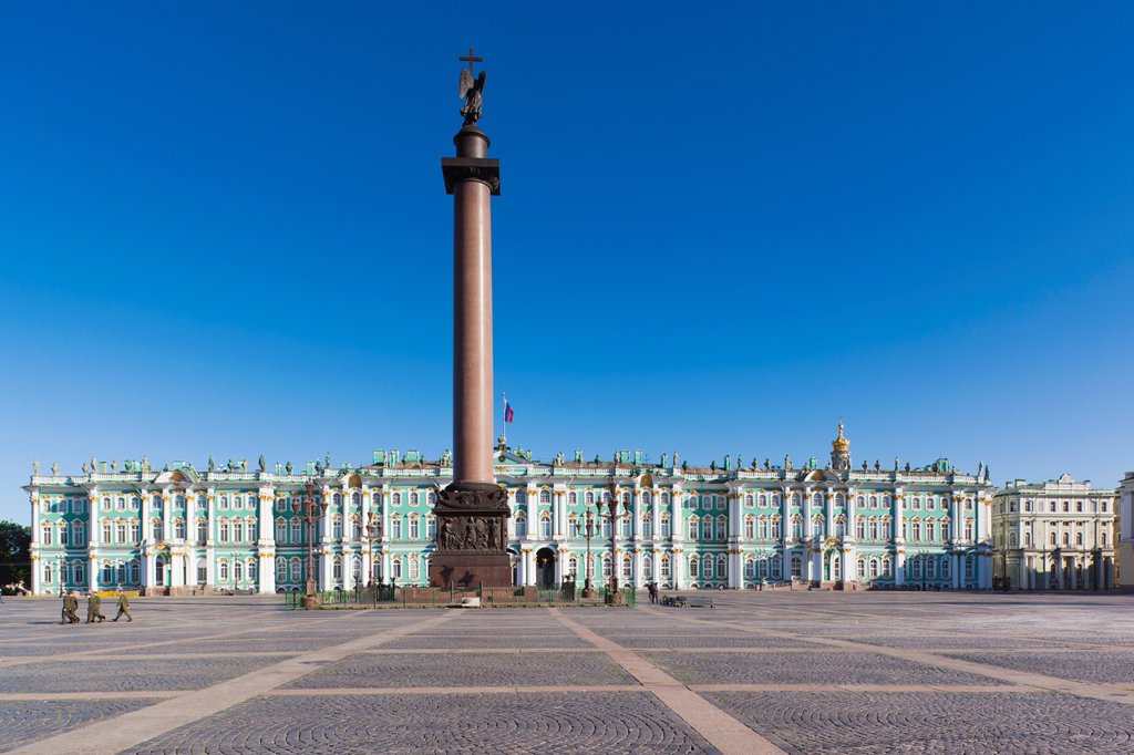 Russia, Saint Petersburg, Center, Dvotsovaya Square, Winter Palace and Hermitage Museum : Stock Photo