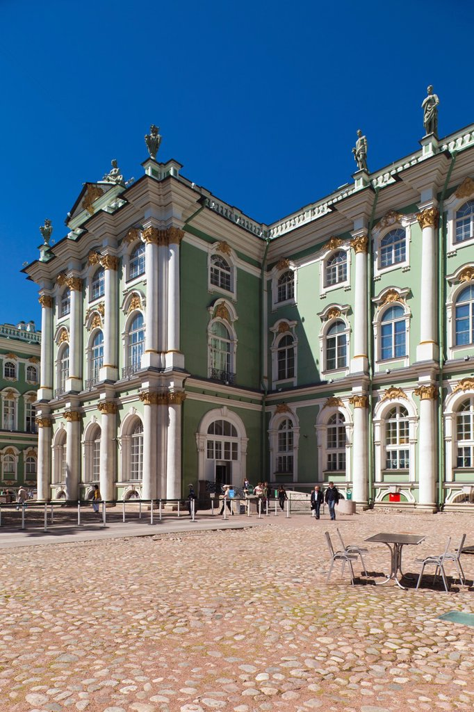 Russia, Saint Petersburg, Center, Winter Palace, Hermitage Museum, exterior : Stock Photo