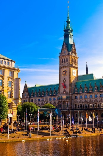 The Alster Canal with the Rathaus City Hall in background, Hamburg, Germany : Stock Photo