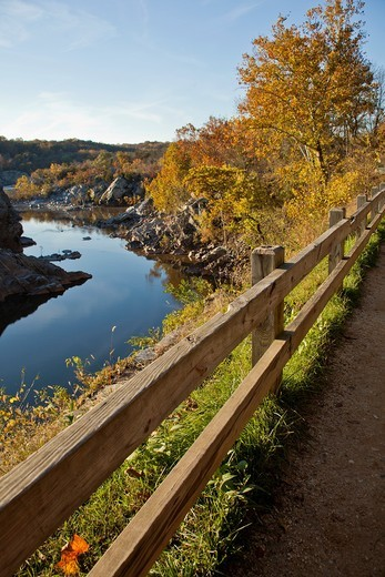 Stock Photo: 1566-901823 C & O National Historic Park, scenic views in autumn