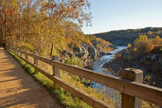 Stock Photo: 1566-902779 C & O National Historic Park, scenic views in autumn