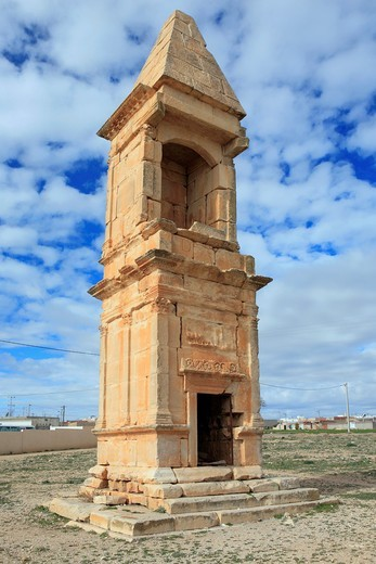 Mausoleum 2nd century, Maktar, Tunisia : Stock Photo