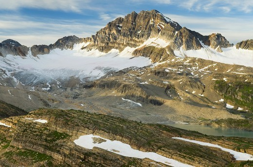 Stock Photo: 1566-904947 Russell Peak and Limestone Lakes Basin, Height-of-the-Rockies Provincial Park British Columbia Canada