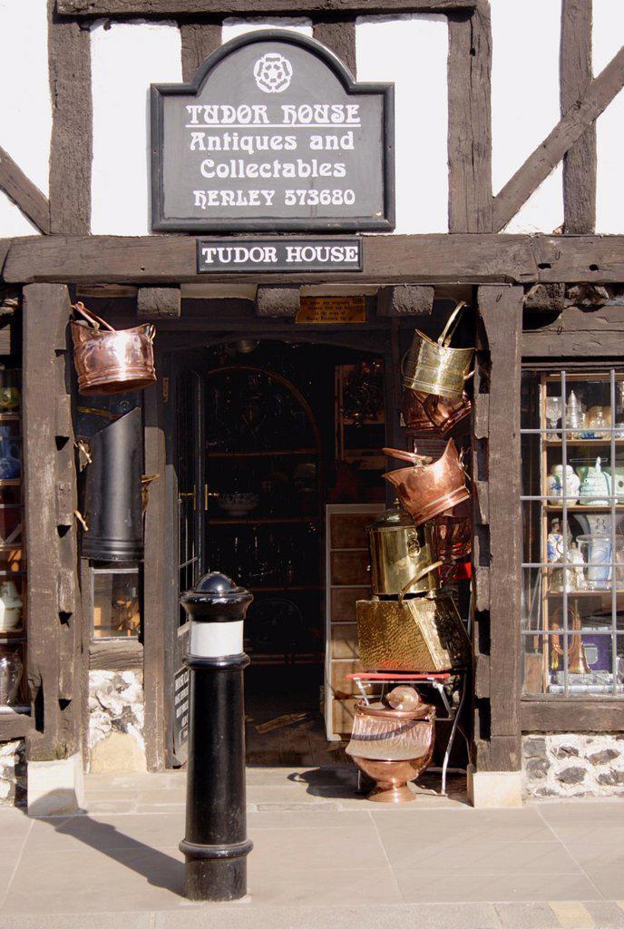 Stock Photo: 1566-905872 Tudor House Antiques shop Henley Oxfordshire