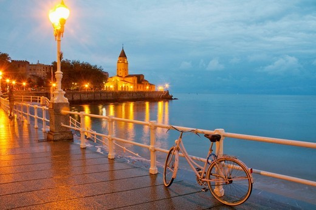 Stock Photo: 1566-905982 Promenade at night  Gijón, Asturias province, Spain
