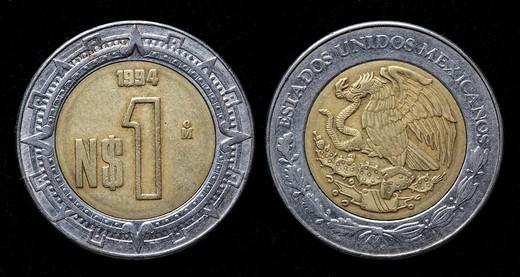 1 nuevo peso coin, Mexico, 1994 : Stock Photo
