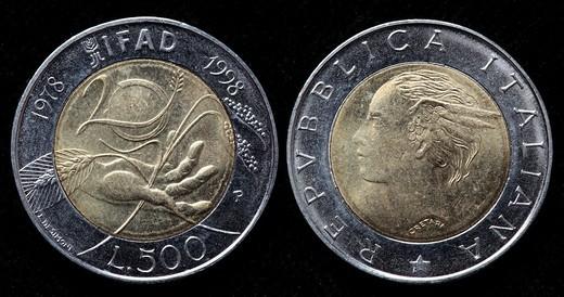 Stock Photo: 1566-908592 500 Lire coin, Italy, 1998