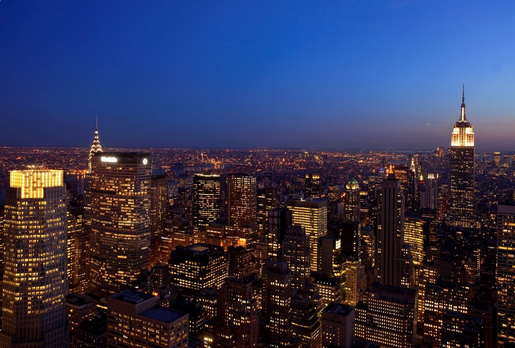 Stock Photo: 1566-908697 Twilight over Manhattan, New York City USA
