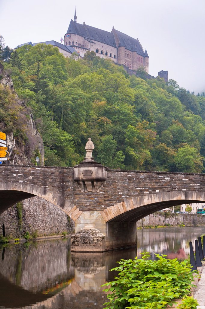 Stock Photo: 1566-909911 The picturesque castle of Vianden with the Our River and the town of Vianden, Luxembourg, Europe