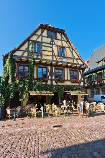 Stock Photo: 1566-910210 Picturesque restaurant in Kaysersberg, Alsace, France, Europe