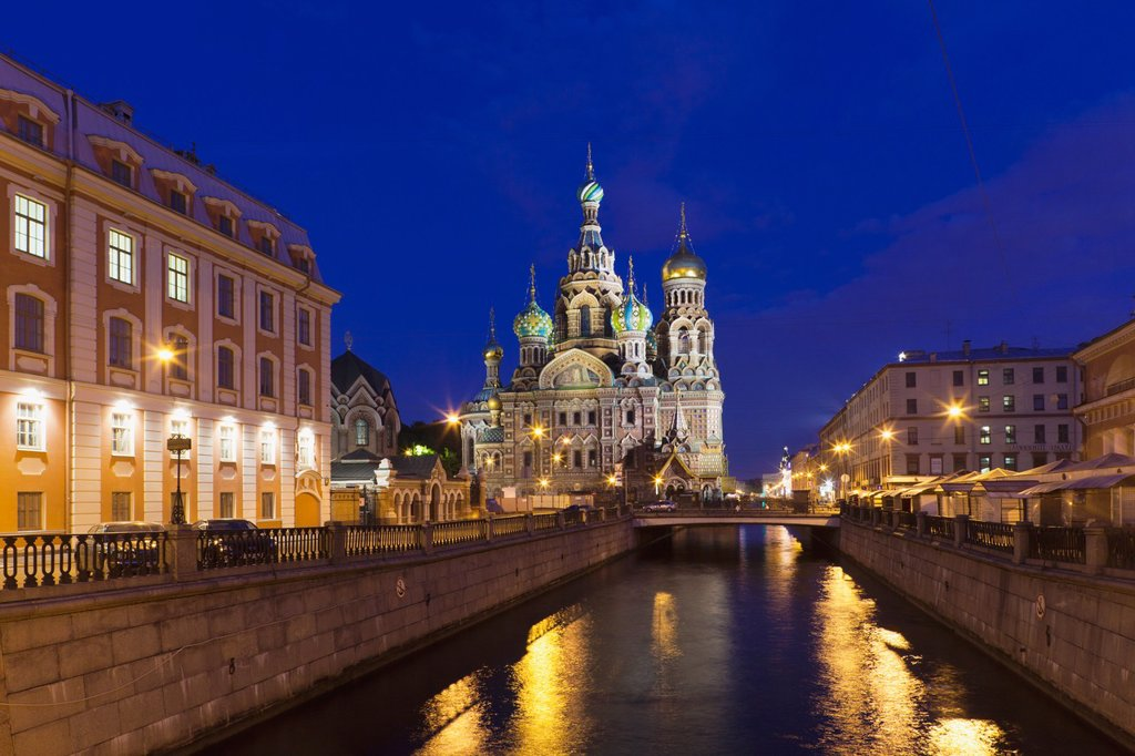 Stock Photo: 1566-910450 Russia, Saint Petersburg, Center, Church of the Saviour of Spilled Blood on Griboedov Canal, exterior, evening