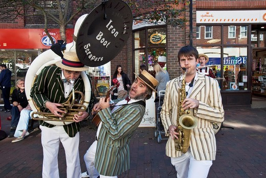Stock Photo: 1566-914672 The Iron Boot Scrapers, Street Entertainers, Lewes, Sussex, England