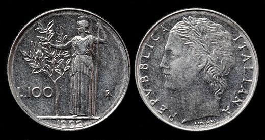 100 Lire coin, Italy, 1992 : Stock Photo