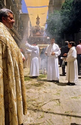 Stock Photo: 1566-917494 Corpus Christi procession, Custodia ostensorium, in Calle Carcel baja, Granada, Andalucia, Spain