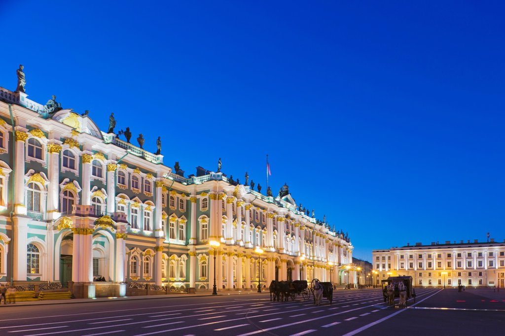 Stock Photo: 1566-918327 Russia, Saint Petersburg, Center, Winter Palace, Hermitage Museum, Dvortsovaya Square, evening