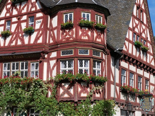Stock Photo: 1566-920178 Altes Haus of Old House historic half-timbered guest house in Bacharach in Rhineland beside River Rhine Germany