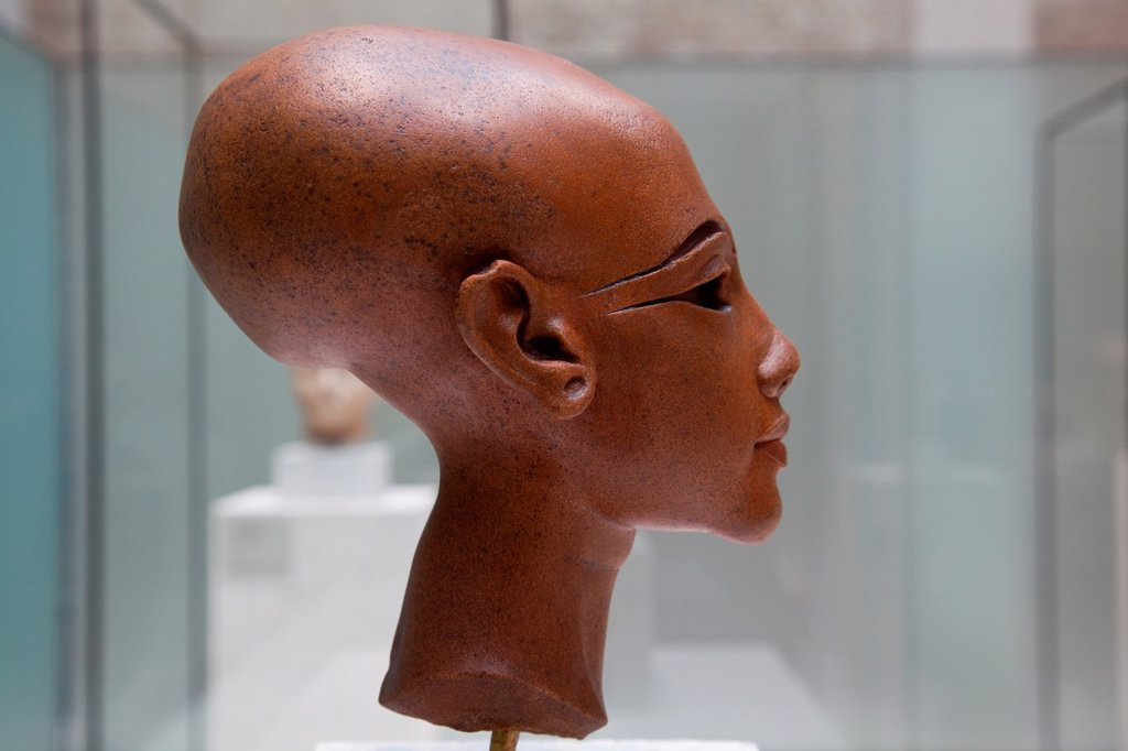 Stock Photo: 1566-922803 Princess of the Akhénaton family, Amarna Period, stone head in Neues museum, Berlin, Germany, Europe