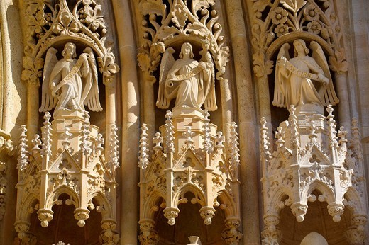 The Neo Gothic statues of the Cathedral of the Assumption of the Blessed Virgin Mary, Zagreb, Croatia : Stock Photo