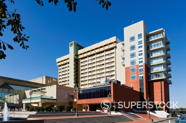 The DoubleTree Hotel, West Markham Street, Little Rock, Arkansas, USA : Stock Photo