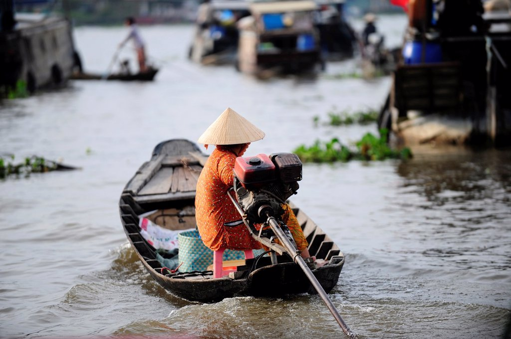 Asia,South East Asia,Vietnam,Cai Be floating market in Mekong Delta,South Vietnam : Stock Photo