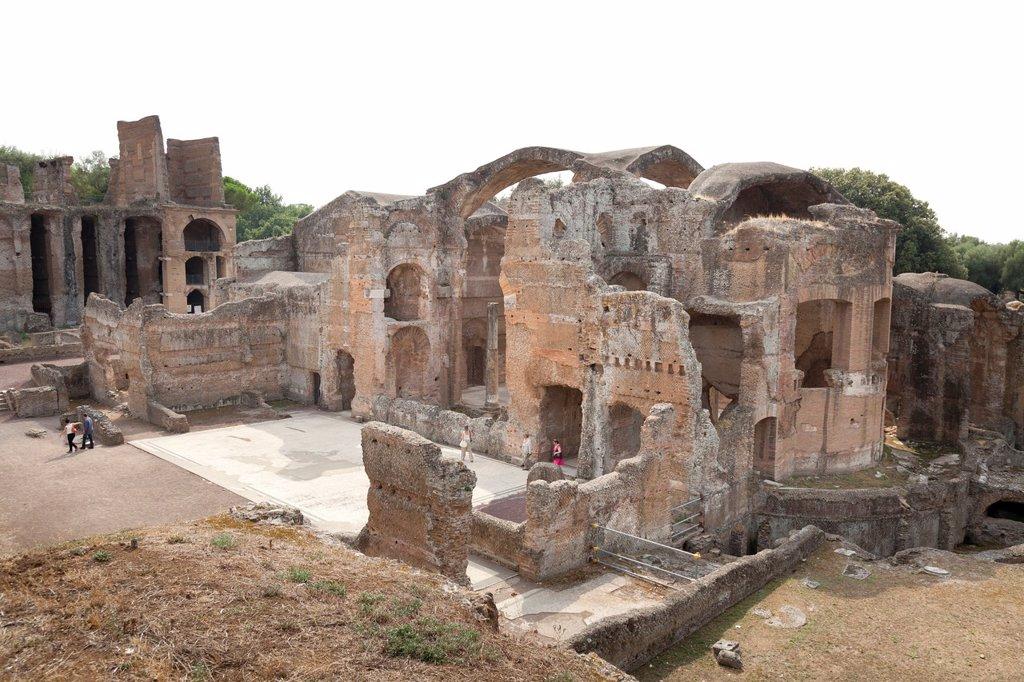 Stock Photo: 1566-926552 Great Baths and Praetorium Pavillion at Hadrian´s Villa, Tivoli, Italy