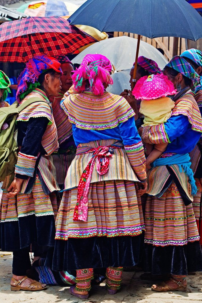 Bac Ha Sunday market, Flower Hmong people, Bac Ha, Vietnam, Sapa : Stock Photo