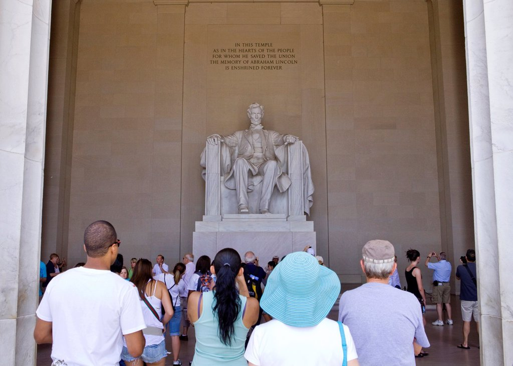 Tourists visit the Lincoln Memorial in Washington, DC : Stock Photo