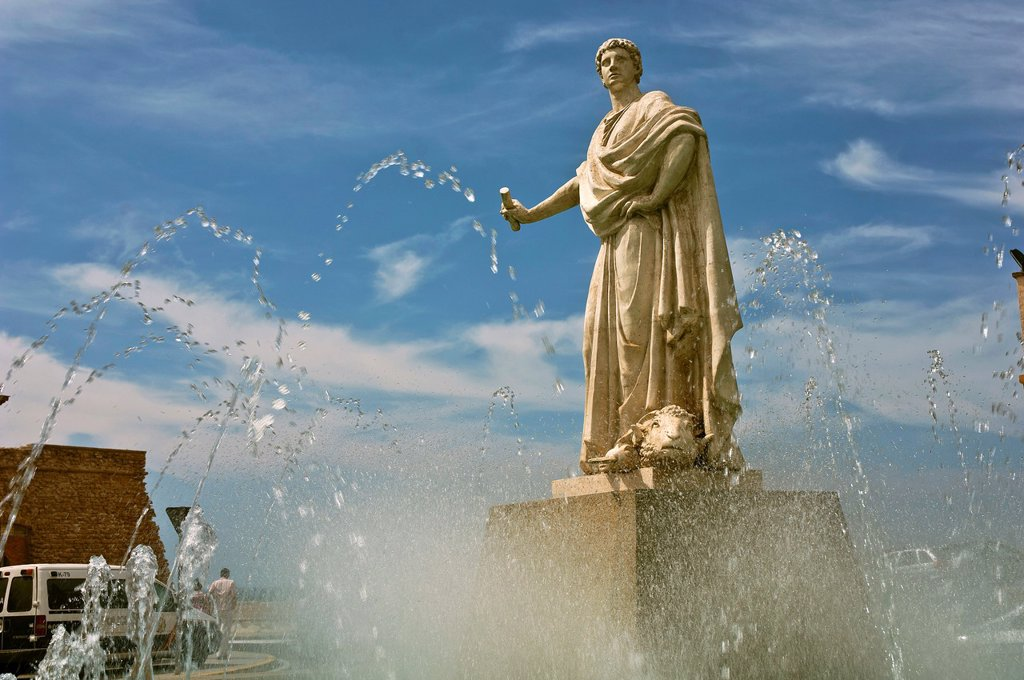 Stock Photo: 1566-928036 Monument to Balbo el Menor and fountain  Cádiz  Spain