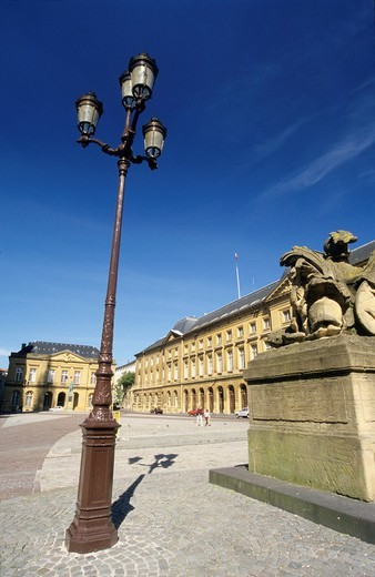 Place d´Armes, Metz, Moselle, Lorraine region, France : Stock Photo