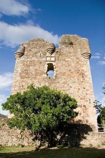 Stock Photo: 1566-930326 Church of Santa María de Fuentes Claras and castle tower, Valverde de la Vera  Cáceres province, Extremadura