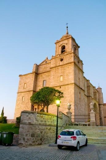 San Sebastian church, night view. Villacastin, Segovia province, Castilla León, Spain. : Stock Photo