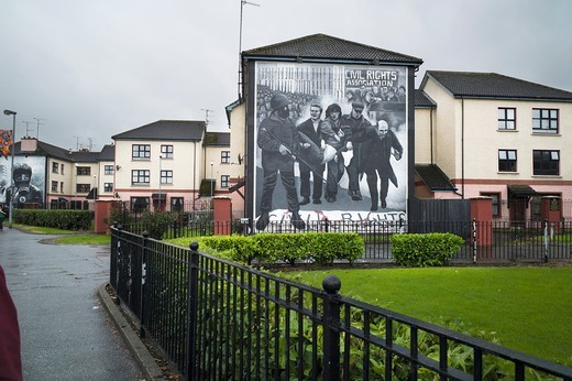 A mural on the side of a house in Free Derry in remembrance of Bloody Sunday : Stock Photo
