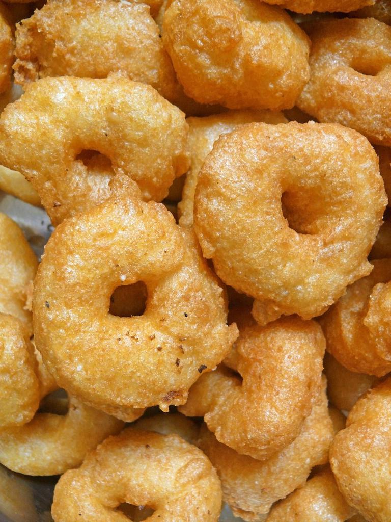 Stock Photo: 1566-932357 Vegetarian, south indian snacks, medu vada, india