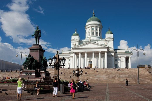 Finland , Helsinki City, San Nicolas Cathedral , Alexander II Monument. : Stock Photo
