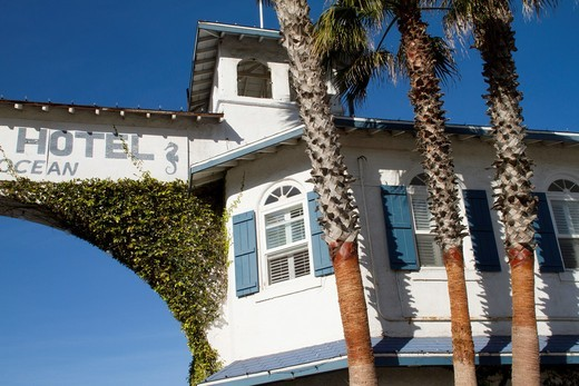Crystal Pier Hotel : Stock Photo